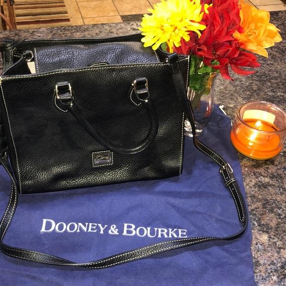 Dooney & Bourke Handbags - Dooney & Bourke Authentic Black Purse Like New